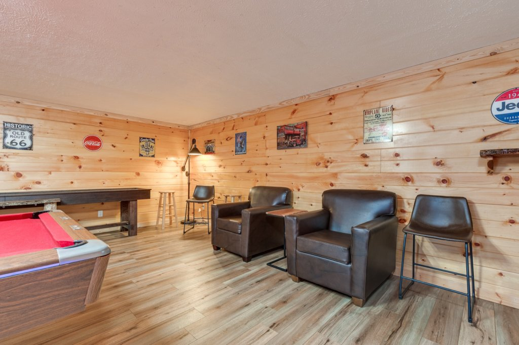Photo of a Gatlinburg Cabin named Luxury Mountain Lodge - This is the twentieth photo in the set.