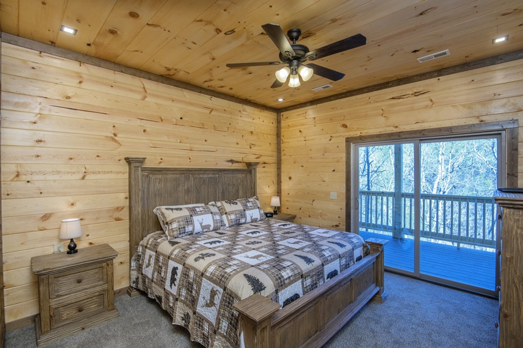 Photo of a Sevierville Cabin named  Smoky Oasis - This is the twenty-seventh photo in the set.