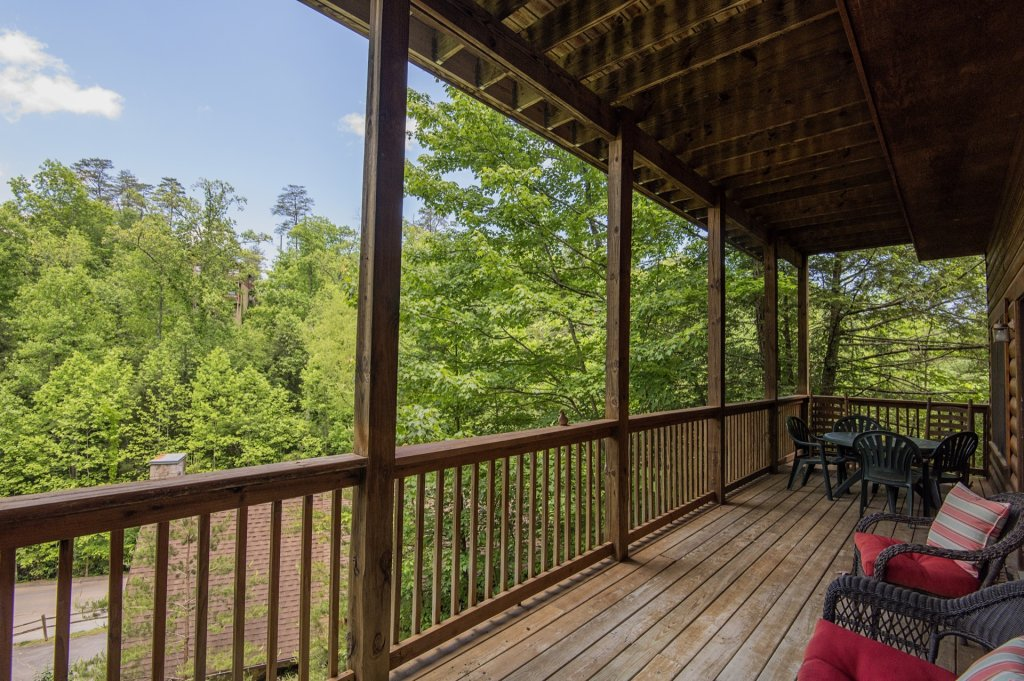 Photo of a Pigeon Forge Cabin named  Al's Nest - This is the twenty-first photo in the set.