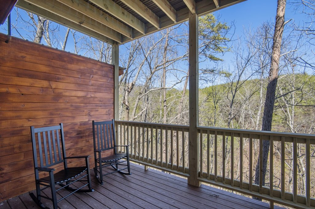 Photo of a Sevierville Cabin named  Smoky Oasis - This is the thirty-fourth photo in the set.