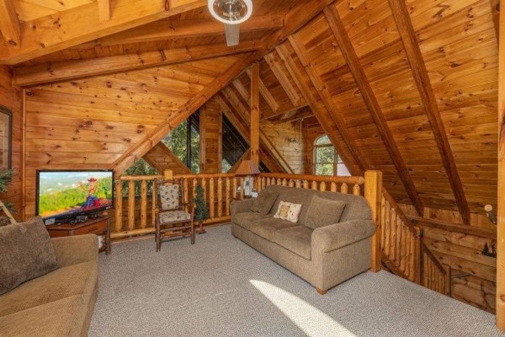 Photo of a Pigeon Forge Cabin named  Fka Cold Creek Camp - This is the twentieth photo in the set.