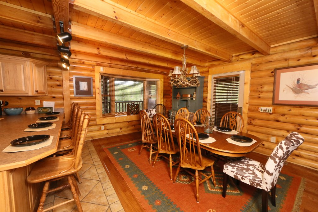 Photo of a Sevierville Cabin named Black Bear Hideaway - This is the forty-seventh photo in the set.