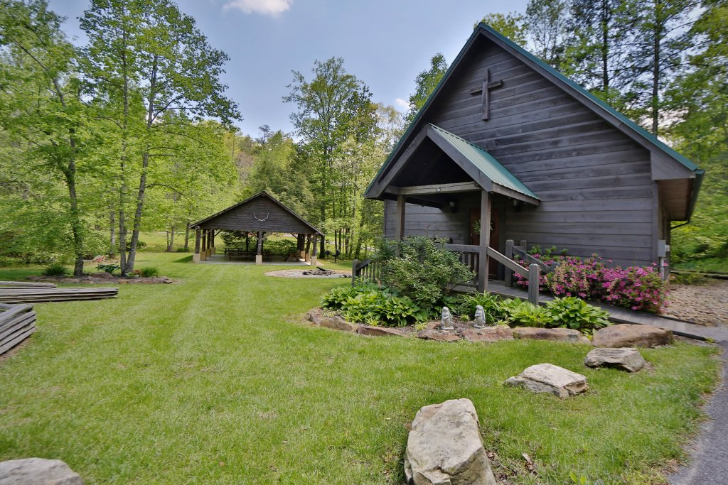 Photo of a Sevierville Cabin named Black Bear Hideaway - This is the seventy-second photo in the set.