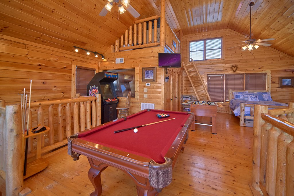 Photo of a Sevierville Cabin named I Can Only Imagine - This is the twenty-first photo in the set.