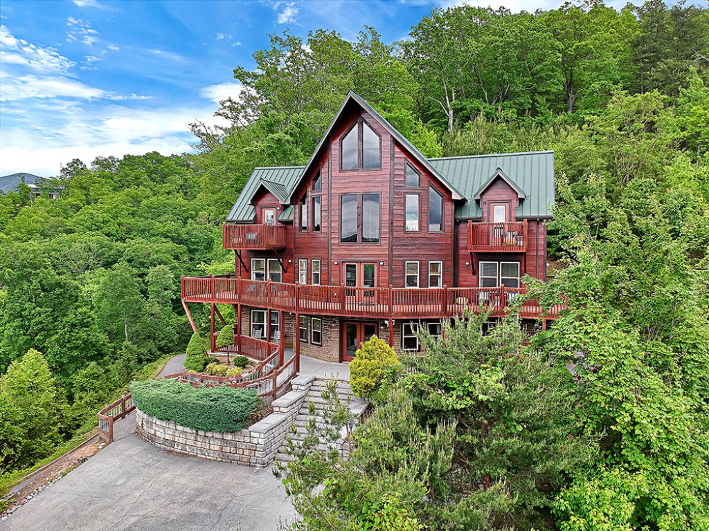 Photo of a Sevierville Cabin named One In A Million - This is the first photo in the set.