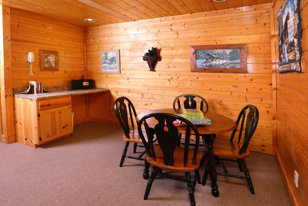 Photo of a Sevierville Cabin named His Amazing Grace - This is the fourteenth photo in the set.