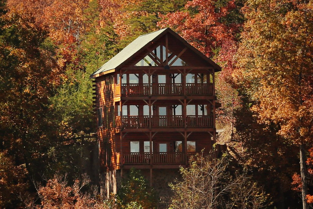 Photo of a Sevierville Cabin named His Amazing Grace - This is the first photo in the set.