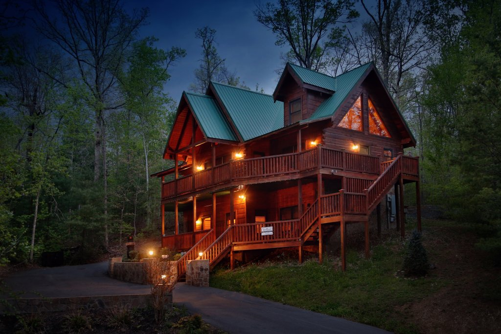 Photo of a Sevierville Cabin named Smoky Mountain Getaway - This is the first photo in the set.