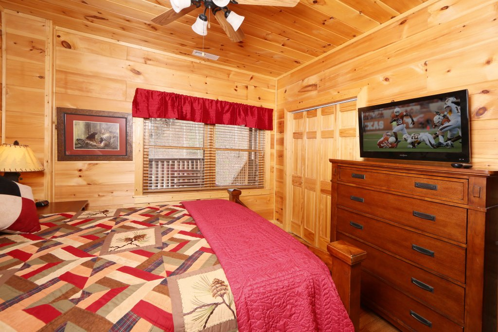 Photo of a Sevierville Cabin named Smoky Mountain Getaway - This is the ninth photo in the set.