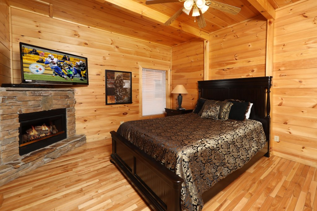 Photo of a Sevierville Cabin named Majestic Mountain Lodge - This is the one hundred and fourteenth photo in the set.