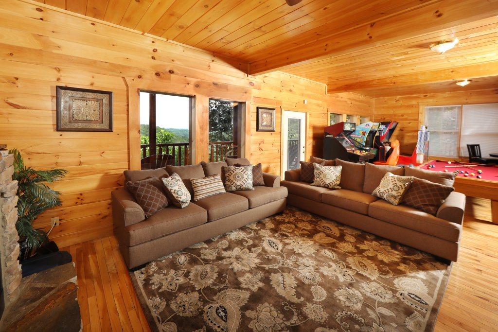 Photo of a Sevierville Cabin named Majestic Mountain Lodge - This is the one hundred and twelfth photo in the set.