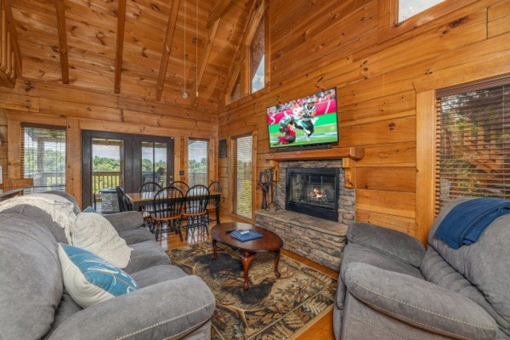 Photo of a Sevierville Cabin named Smokies Serenity - This is the ninth photo in the set.