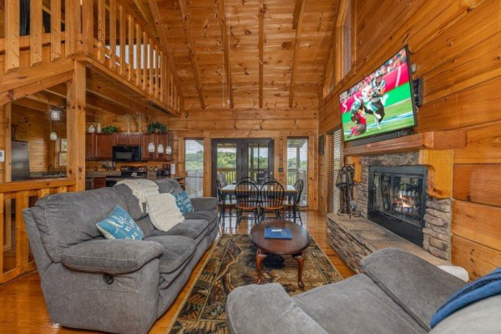 Photo of a Sevierville Cabin named Smokies Serenity - This is the eighth photo in the set.