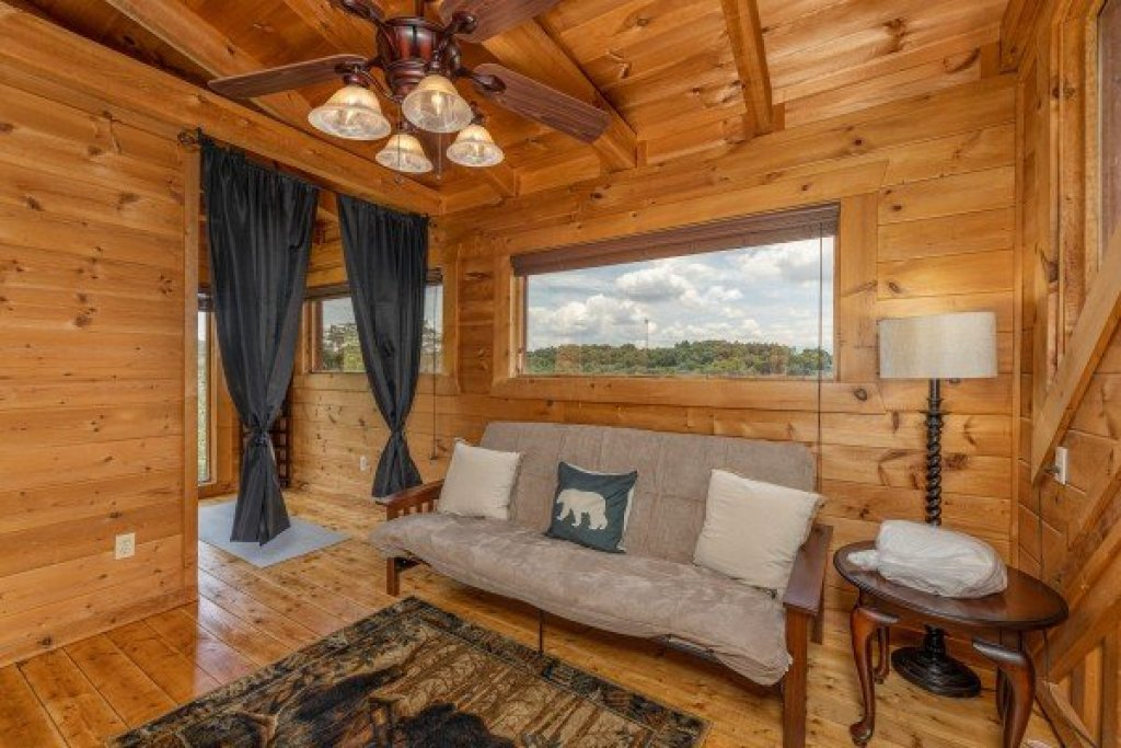 Photo of a Sevierville Cabin named Smokies Serenity - This is the twenty-second photo in the set.