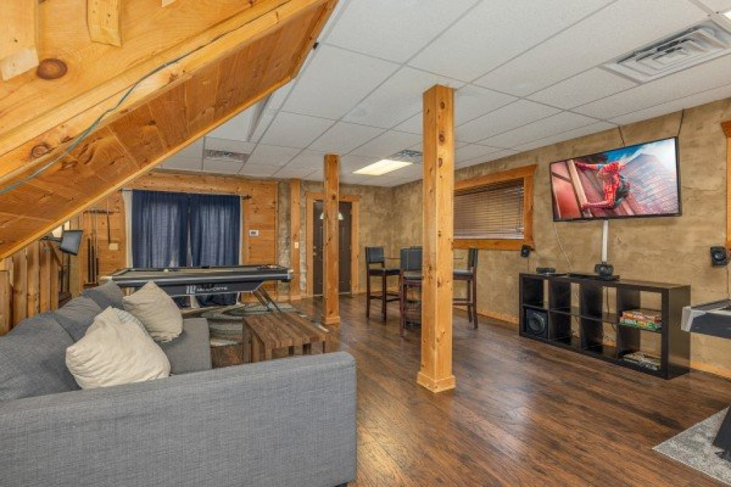 Photo of a Sevierville Cabin named Smokies Serenity - This is the twenty-sixth photo in the set.