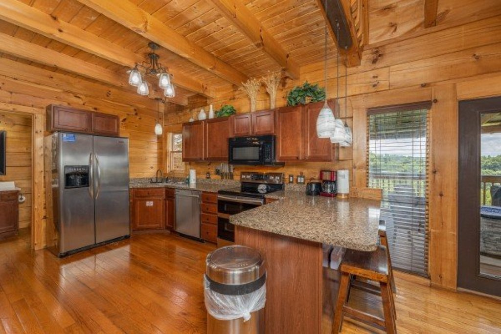 Photo of a Sevierville Cabin named Smokies Serenity - This is the twelfth photo in the set.