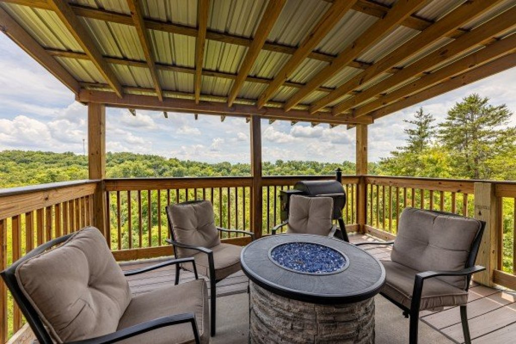 Photo of a Sevierville Cabin named Smokies Serenity - This is the thirteenth photo in the set.