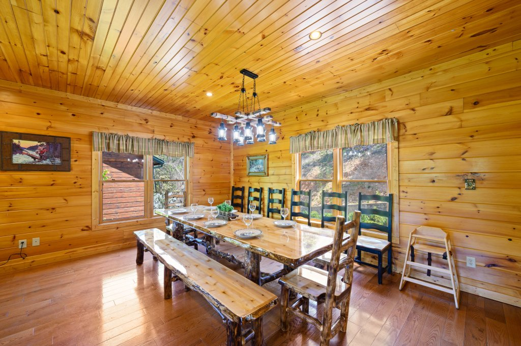 Photo of a Gatlinburg Cabin named Spark Of Life - This is the sixth photo in the set.