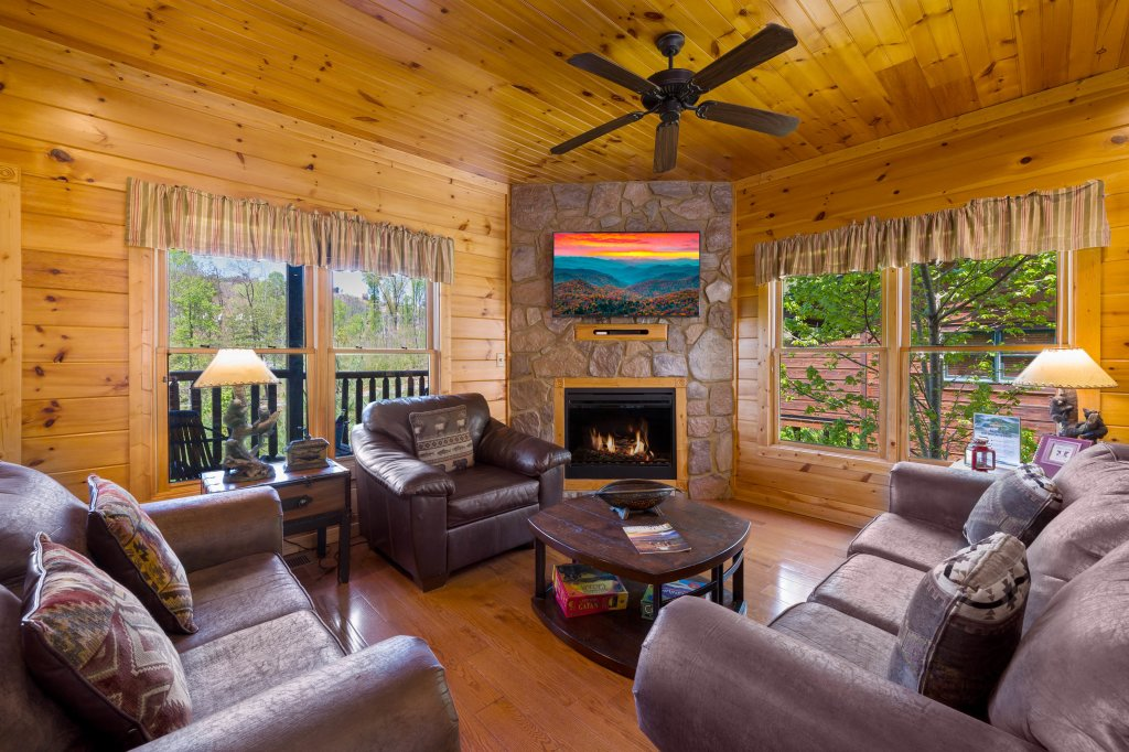 Photo of a Gatlinburg Cabin named Spark Of Life - This is the seventh photo in the set.