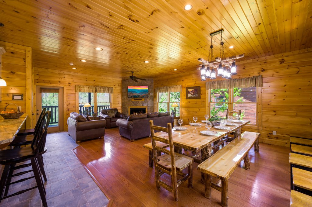 Photo of a Gatlinburg Cabin named Spark Of Life - This is the fifth photo in the set.