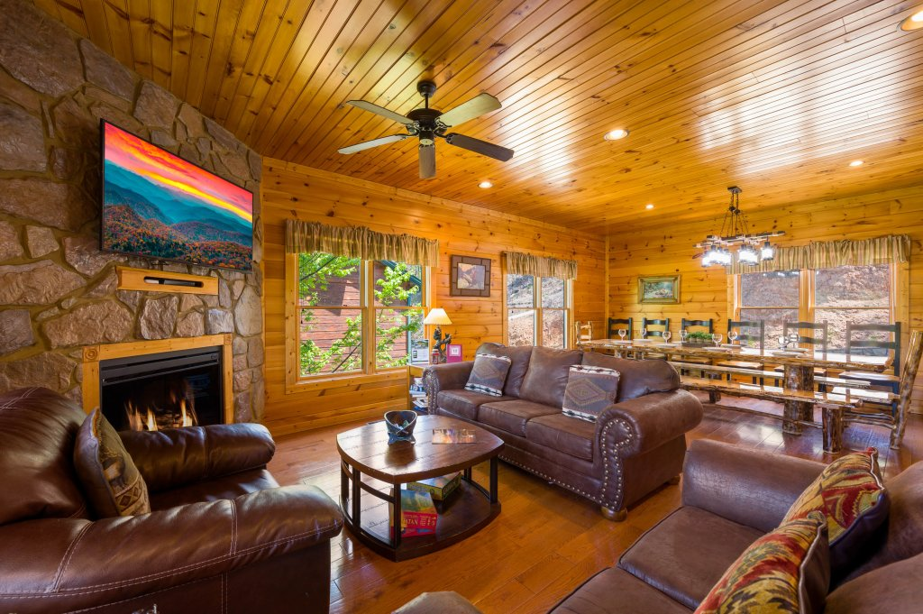 Photo of a Gatlinburg Cabin named Spark Of Life - This is the eighth photo in the set.