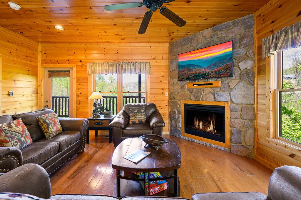 Photo of a Gatlinburg Cabin named Spark Of Life - This is the fifty-sixth photo in the set.