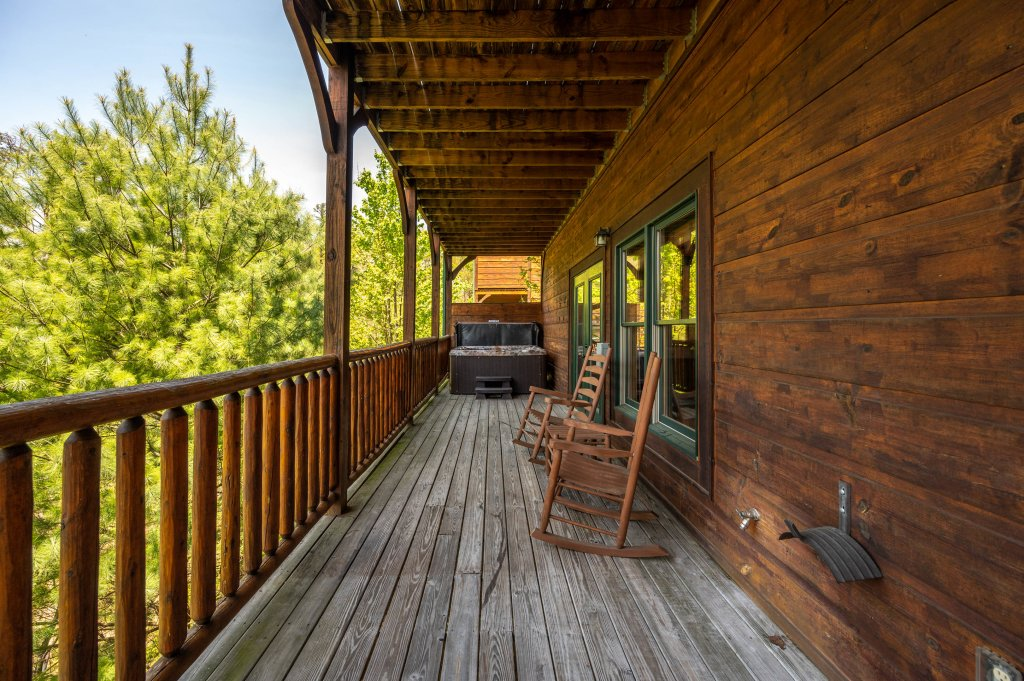 Photo of a Gatlinburg Cabin named Spark Of Life - This is the eighty-fifth photo in the set.