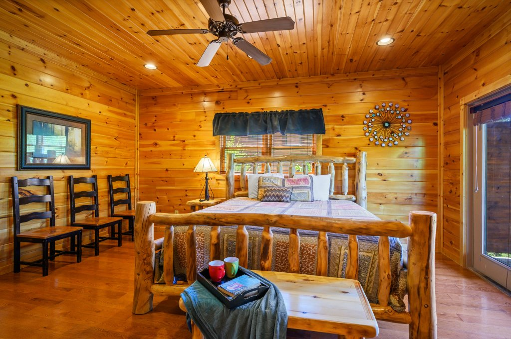 Photo of a Gatlinburg Cabin named Spark Of Life - This is the sixty-second photo in the set.
