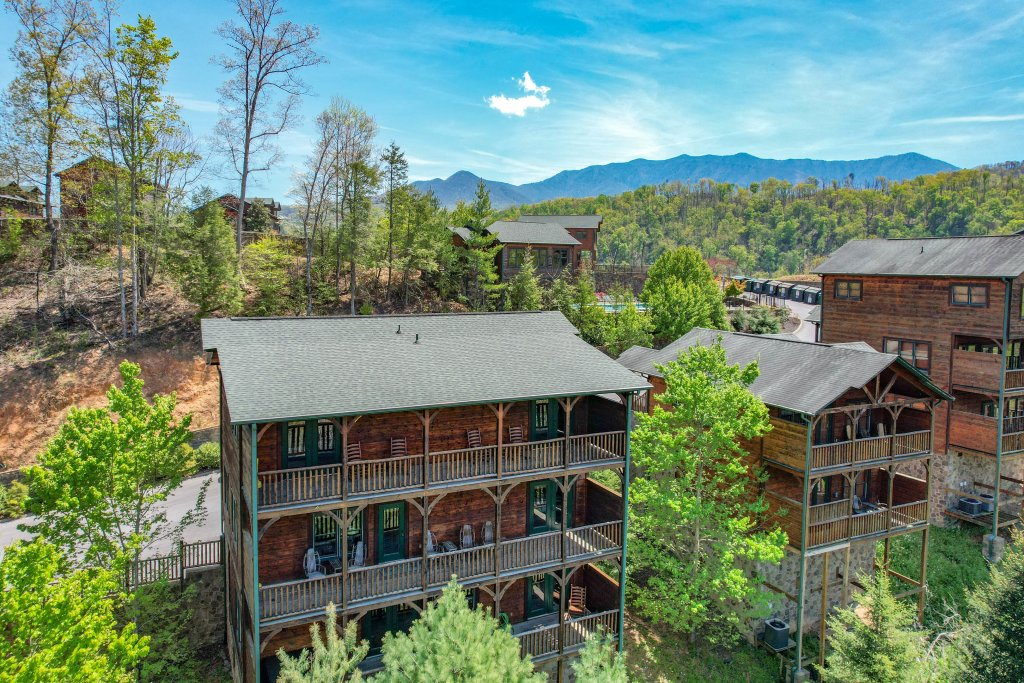 Photo of a Gatlinburg Cabin named Spark Of Life - This is the ninety-first photo in the set.
