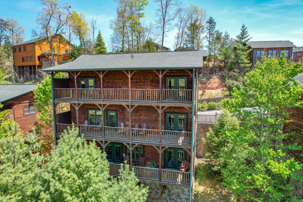 Photo of a Gatlinburg Cabin named Spark Of Life - This is the ninety-third photo in the set.