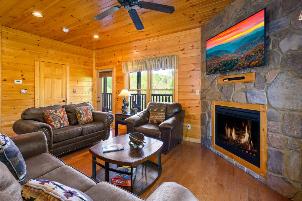 Photo of a Gatlinburg Cabin named Spark Of Life - This is the fifty-fourth photo in the set.