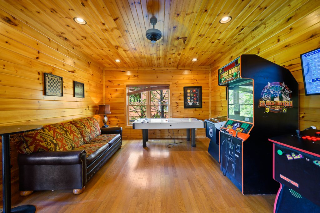 Photo of a Gatlinburg Cabin named Spark Of Life - This is the eighty-third photo in the set.