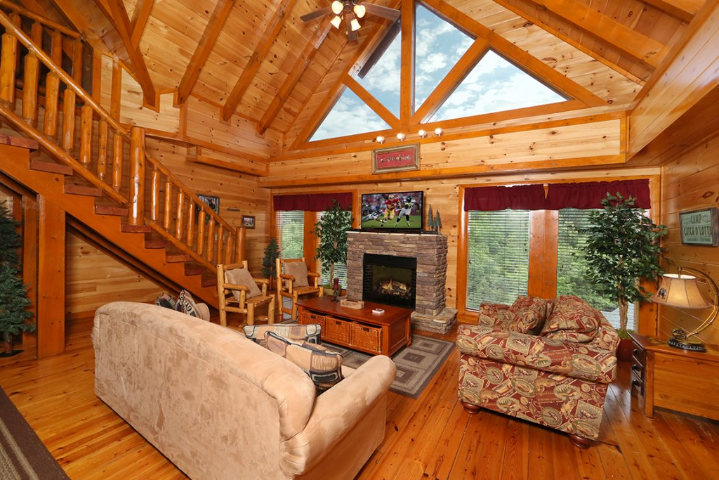 Photo of a Sevierville Cabin named Mountain Movie Inn - This is the fourth photo in the set.