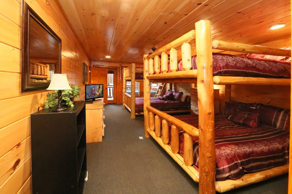 Photo of a Sevierville Cabin named Mountain Movie Inn - This is the eighteenth photo in the set.