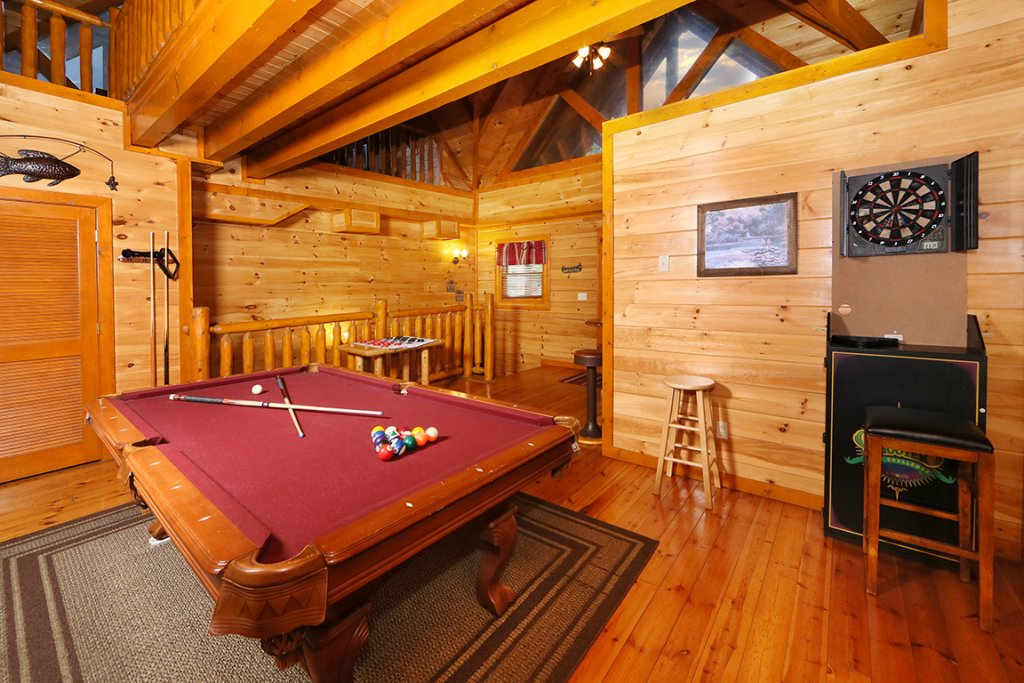 Photo of a Sevierville Cabin named Mountain Movie Inn - This is the twentieth photo in the set.