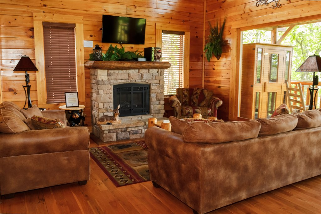 Photo of a Sevierville Cabin named Dream On High - This is the third photo in the set.