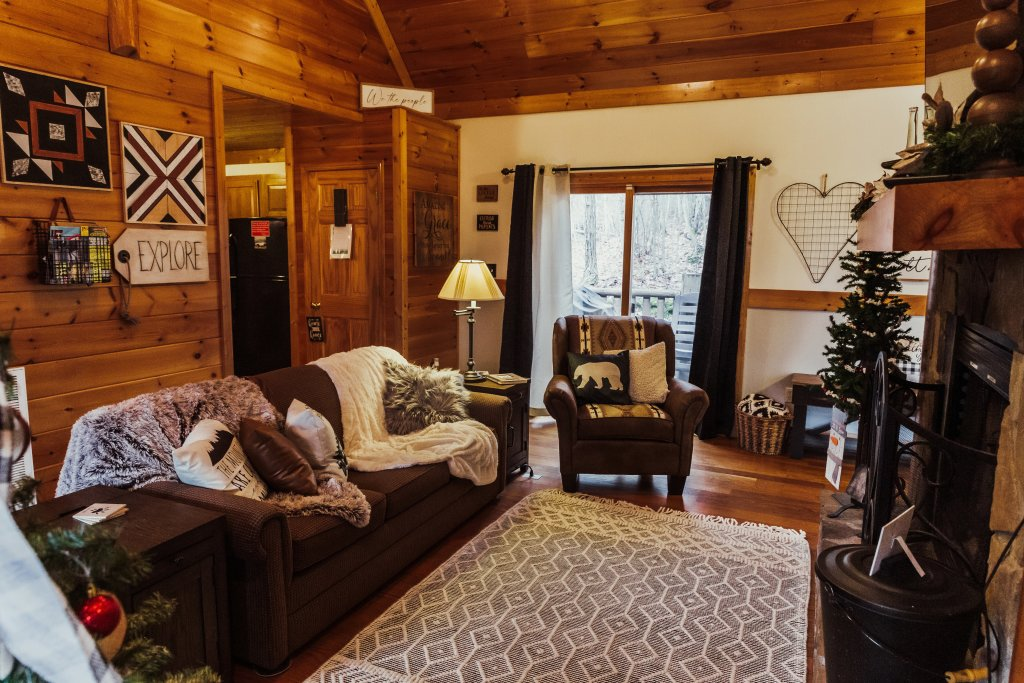 Photo of a Sevierville Cabin named A Sweet Retreat - This is the seventh photo in the set.