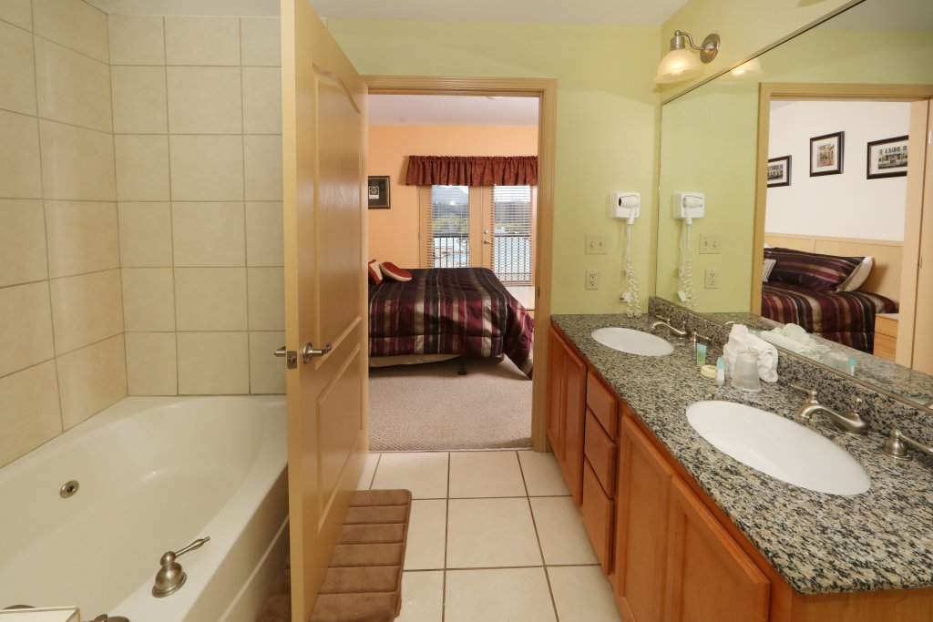 Photo of a Pigeon Forge Condo named Mountain View Condo 1205 - This is the eighth photo in the set.