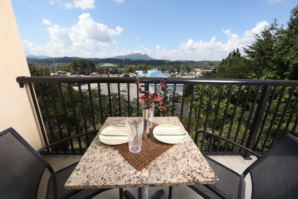 Photo of a Pigeon Forge Condo named Mountain View Condo 1205 - This is the fifteenth photo in the set.