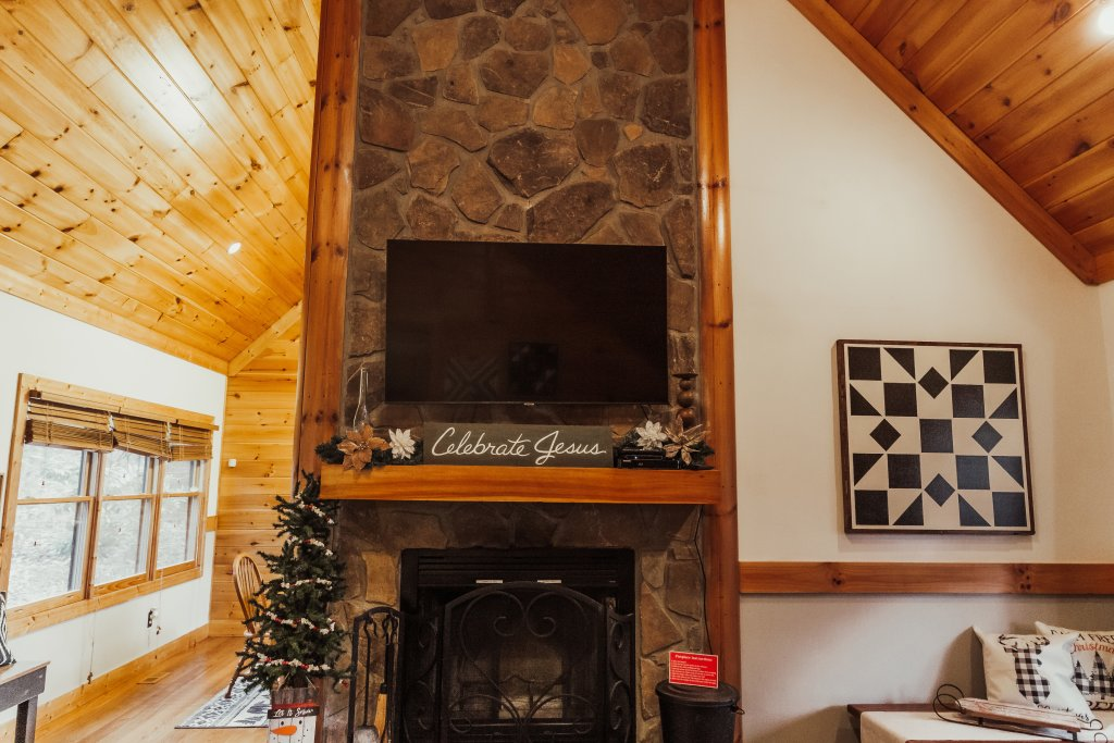 Photo of a Sevierville Cabin named A Sweet Retreat - This is the fifth photo in the set.