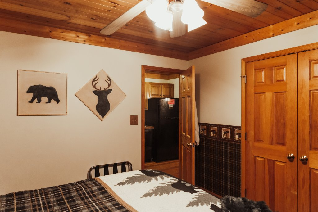 Photo of a Sevierville Cabin named A Sweet Retreat - This is the eighteenth photo in the set.