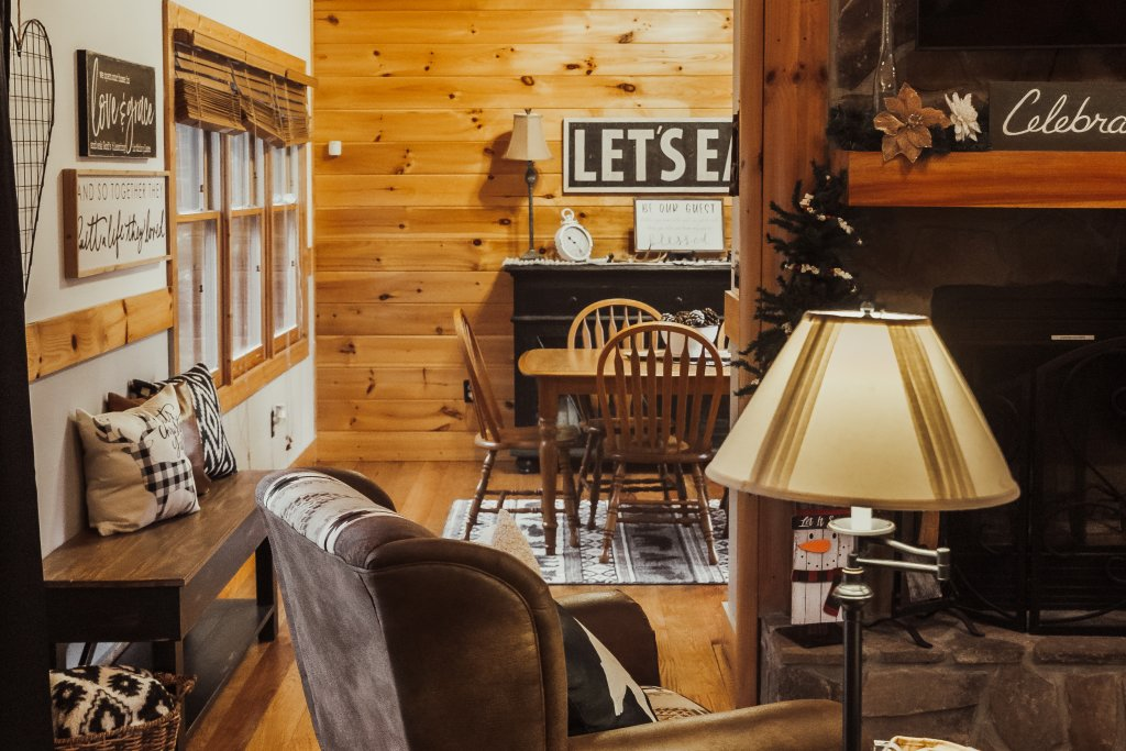 Photo of a Sevierville Cabin named A Sweet Retreat - This is the eighth photo in the set.