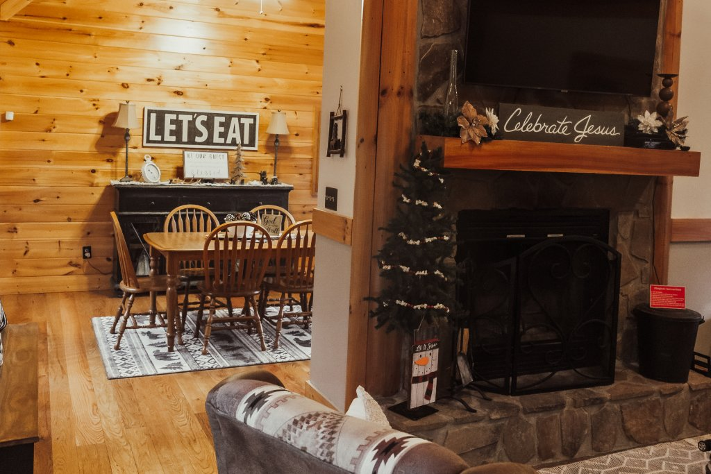 Photo of a Sevierville Cabin named A Sweet Retreat - This is the ninth photo in the set.
