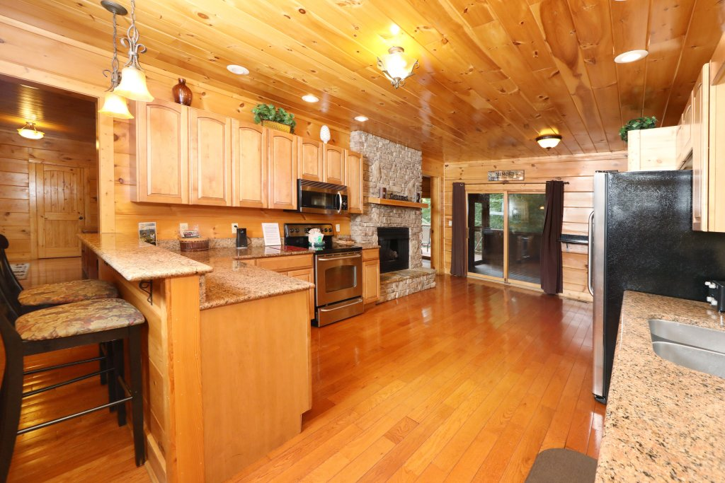 Photo of a Sevierville Cabin named Majestic Manor - This is the thirty-third photo in the set.