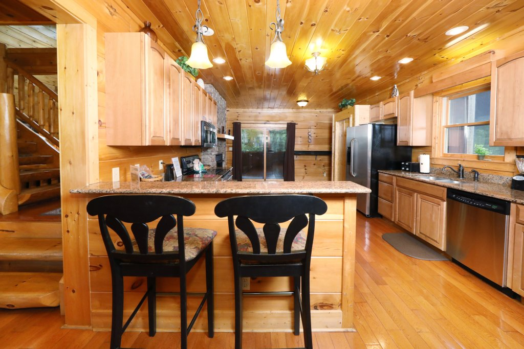 Photo of a Sevierville Cabin named Majestic Manor - This is the thirty-fifth photo in the set.