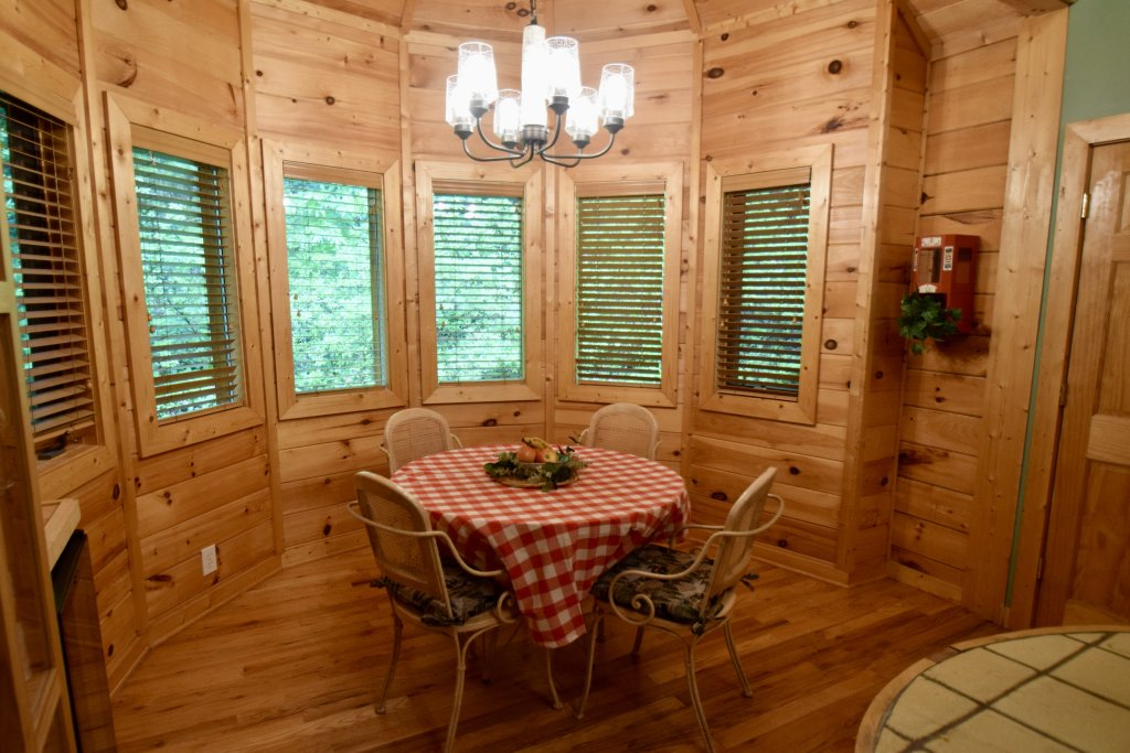 Photo of a Sevierville Cabin named Now And Forever - This is the twenty-fifth photo in the set.