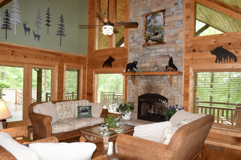 Photo of a Sevierville Cabin named Now And Forever - This is the third photo in the set.