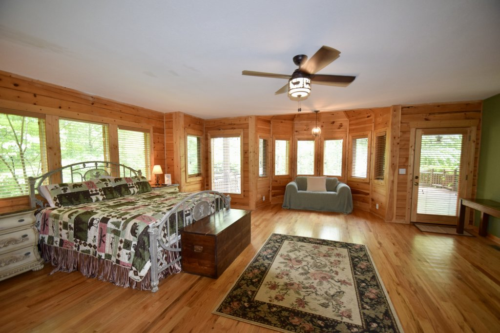Photo of a Sevierville Cabin named Now And Forever - This is the twelfth photo in the set.