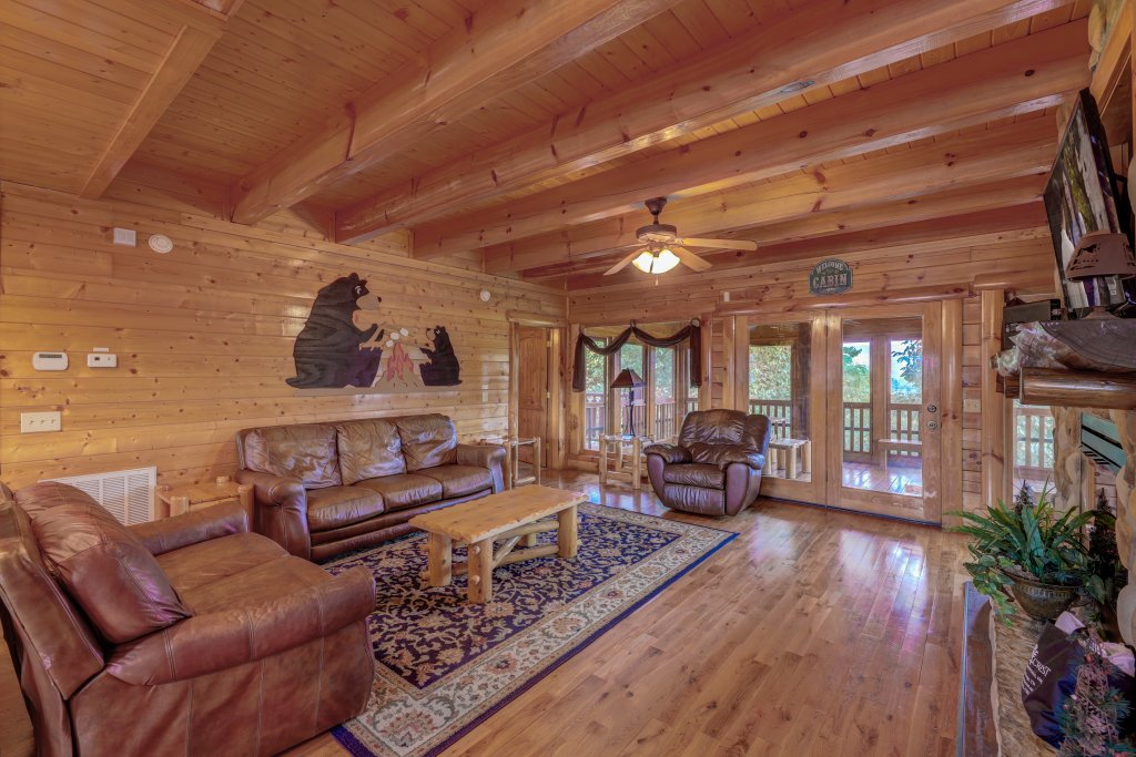 Photo of a Sevierville Cabin named Estate Of Relaxation - This is the second photo in the set.