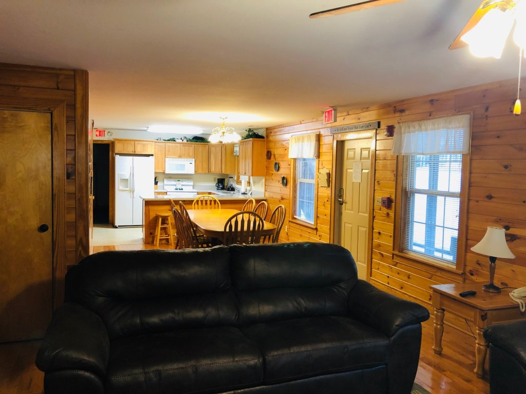 Photo of a Pigeon Forge Condo named Poplar Point Condo Unit 12c - This is the third photo in the set.